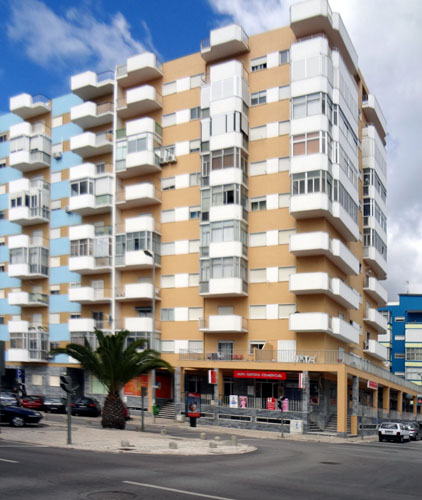 l'immeuble Vacation rental of an apartment in Costa da Caparica (Almada, Portugal)